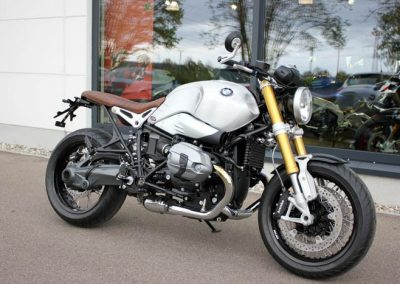 BMW R nineT 2016 Umbau (v. vo. re.)