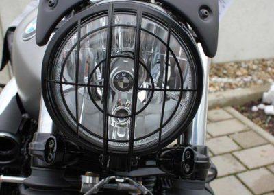 BMW R nineT Scrambler Umbau – Lampenring (lackiert)